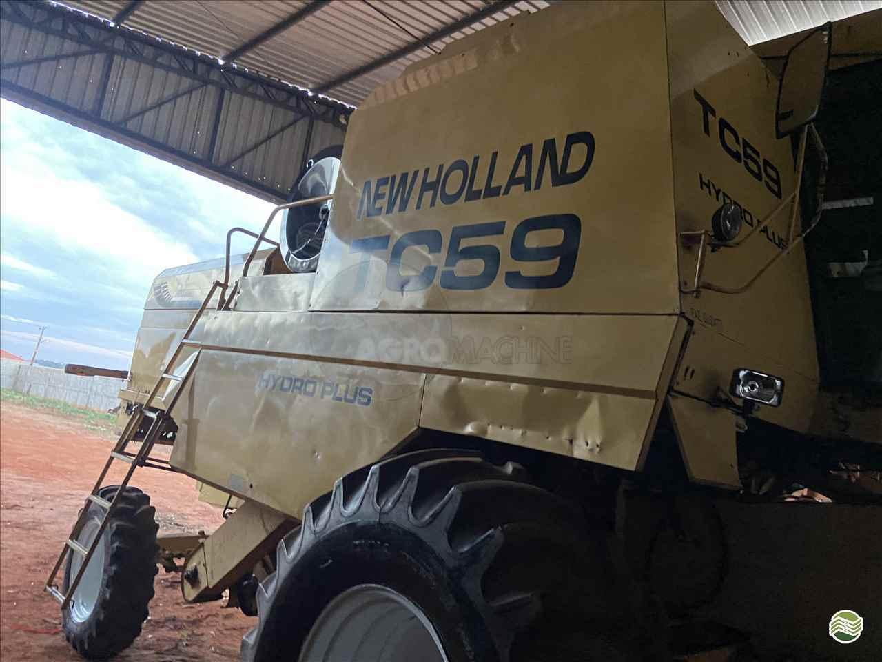 COLHEITADEIRA NEW HOLLAND TC 59 Agromachine QUIRINOPOLIS GOIAS GO
