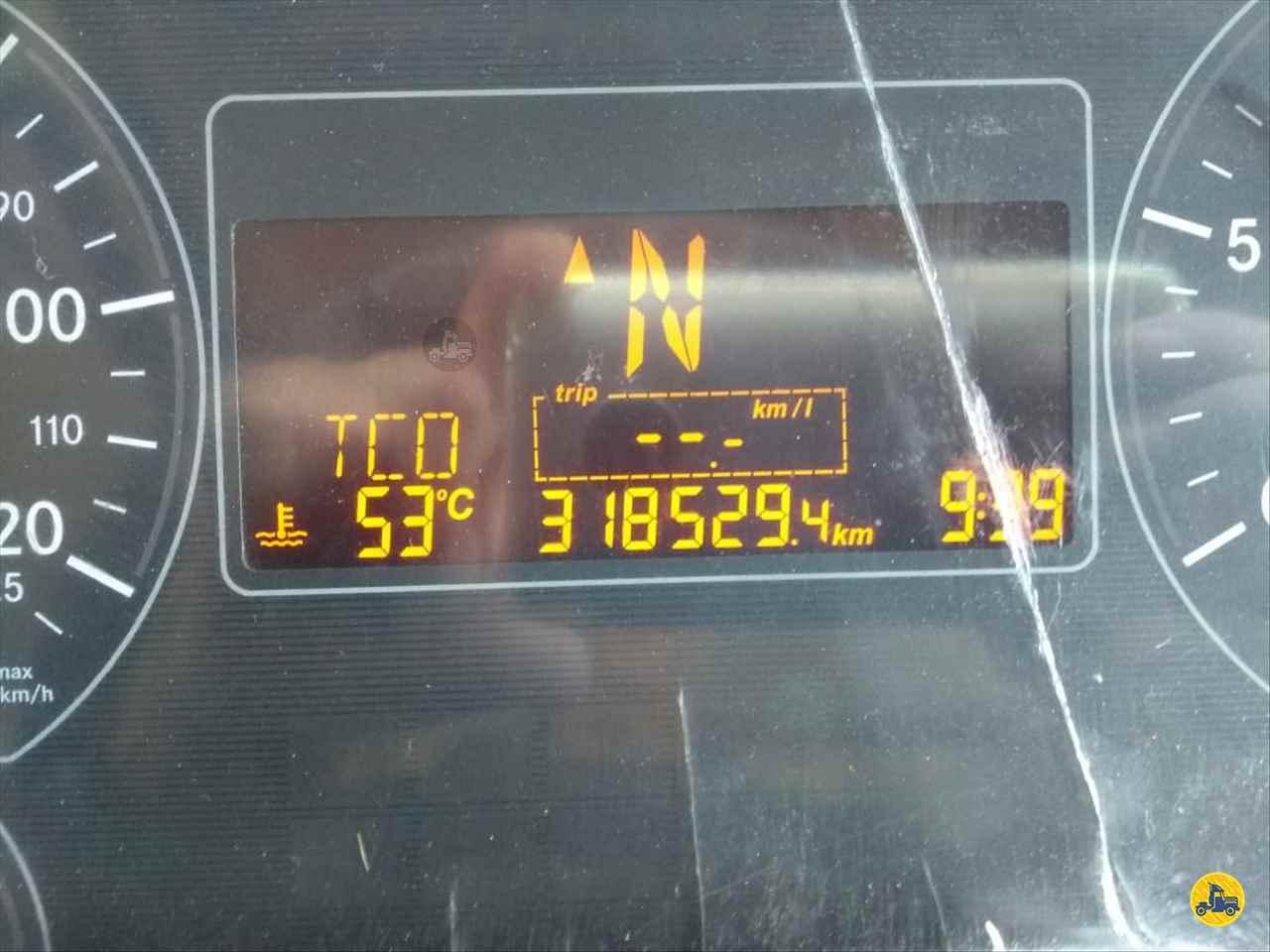 MERCEDES-BENZ MB 1719 318000km 2013/2013 DKM Caminhões