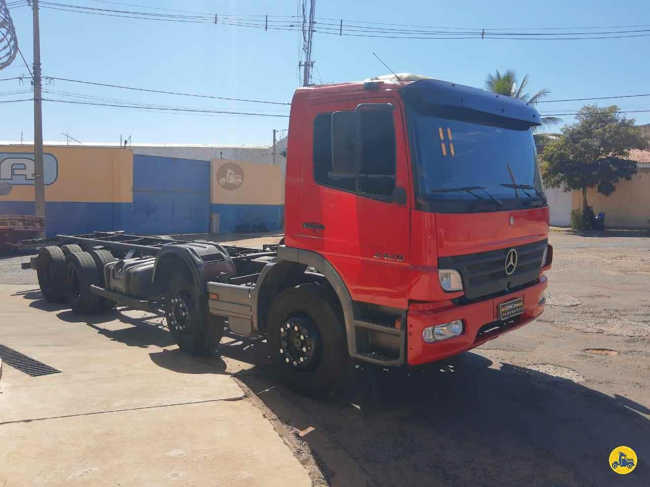 MERCEDES-BENZ MB 2428 939000km 2011/2011 DKM Caminhões