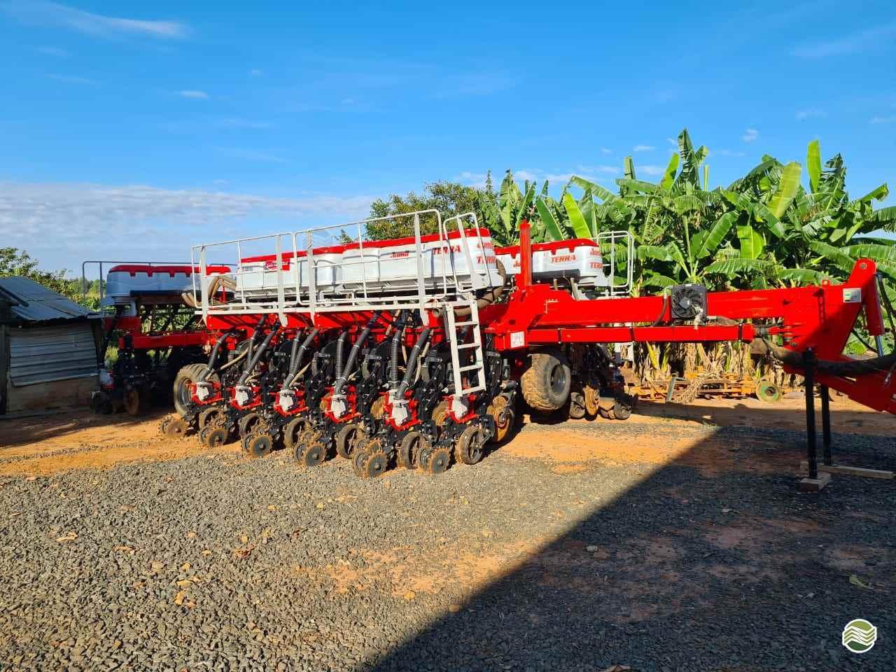 JM 8090 PD TERRA de Gama Máquinas Agrícolas - RIO VERDE/GO