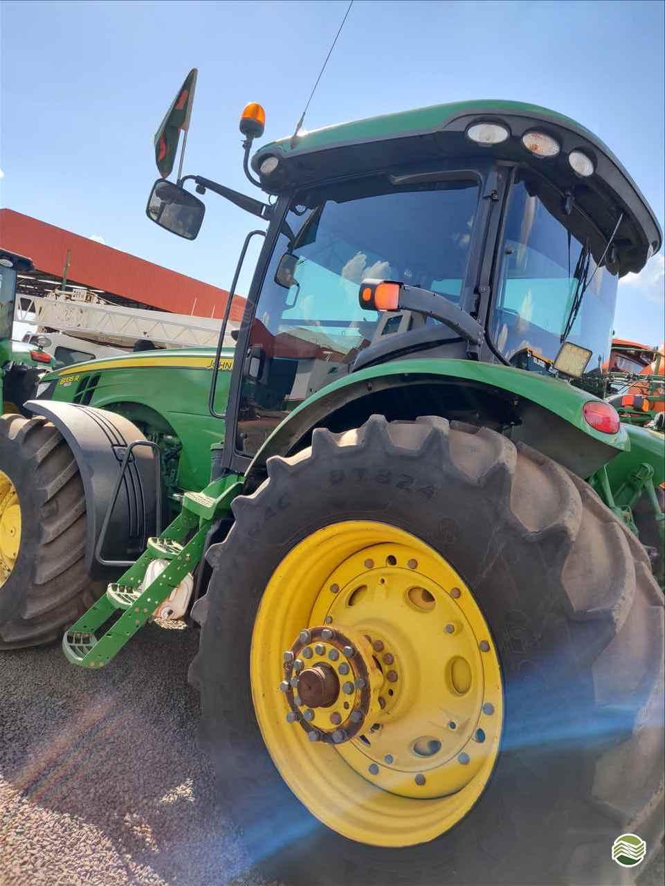 TRATOR JOHN DEERE JOHN DEERE 8335 Tração 4x4 Gama Máquinas Agrícolas RIO VERDE GOIAS GO