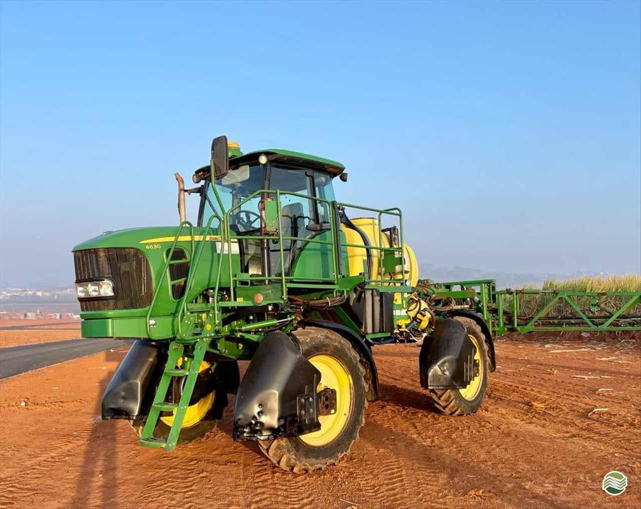 PULVERIZADOR JOHN DEERE JOHN DEERE 4630 Tração 4x4 RT Máquinas e Peças Agrícolas LEME SÃO PAULO SP