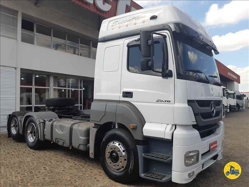 MERCEDES-BENZ MB 2536 500000km 2015/2015 SelecTrucks - Betim MG