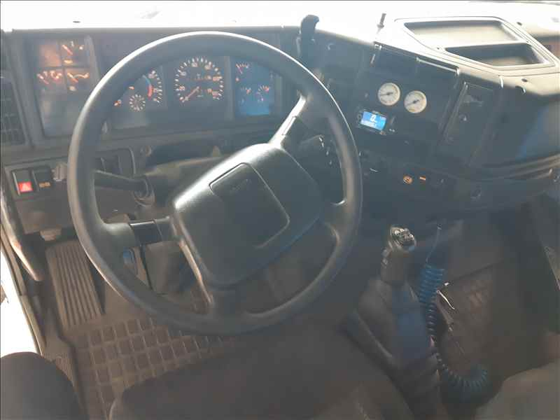 VOLVO VOLVO FH12 380 1000000km 2002/2002 SelecTrucks - Betim MG