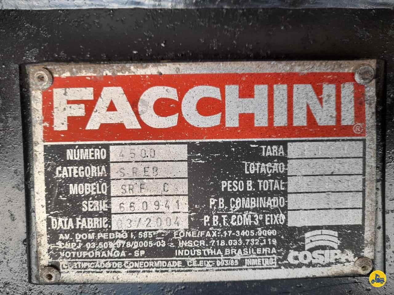 SEMI-REBOQUE GRANELEIRO  2004/2004 Leque Caminhões