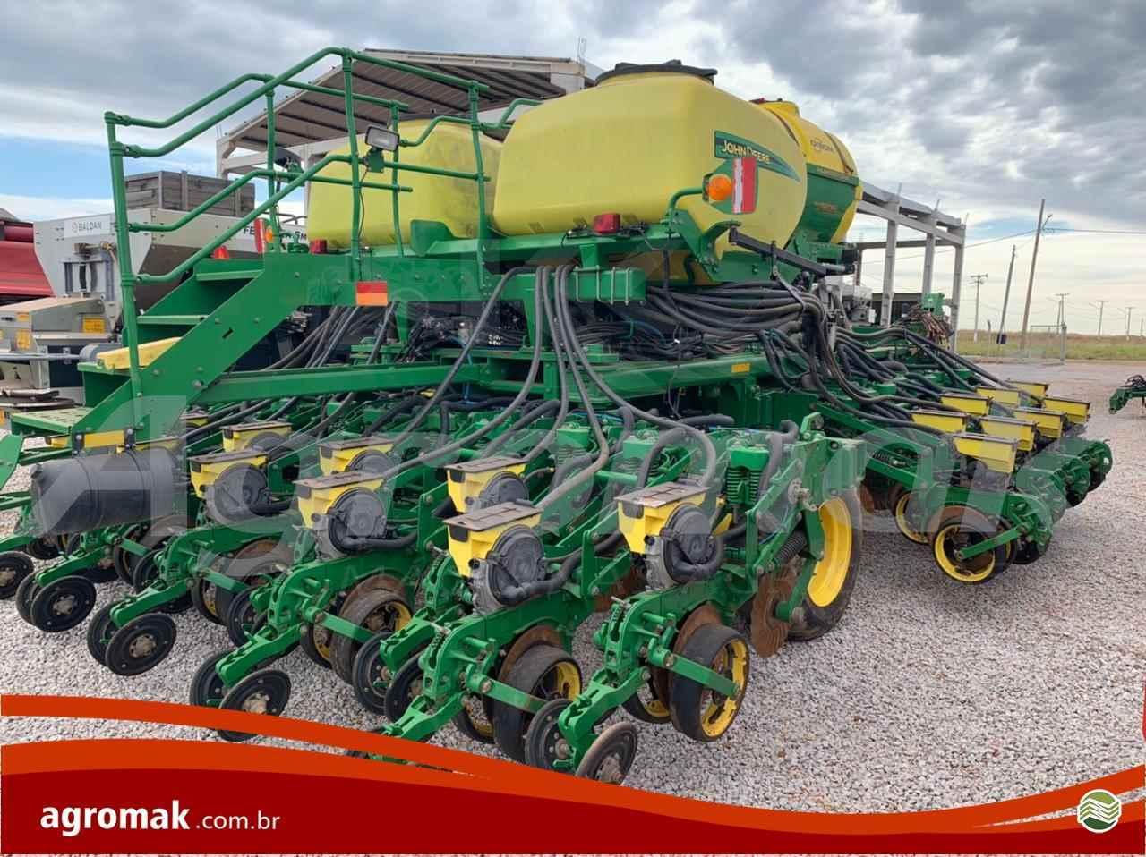 JOHN DEERE PLANTADEIRAS DB40  2018/2018 Agromak Máquinas Agrícolas