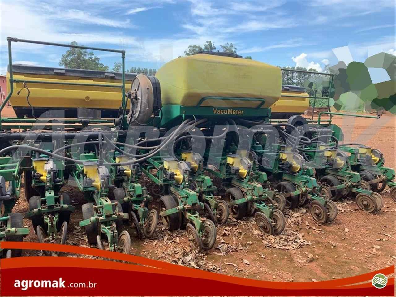 JOHN DEERE PLANTADEIRAS 2126  2008/2008 Agromak Máquinas Agrícolas
