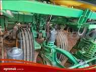 JOHN DEERE PLANTADEIRAS 2126  2014/2014 Agromak Máquinas Agrícolas