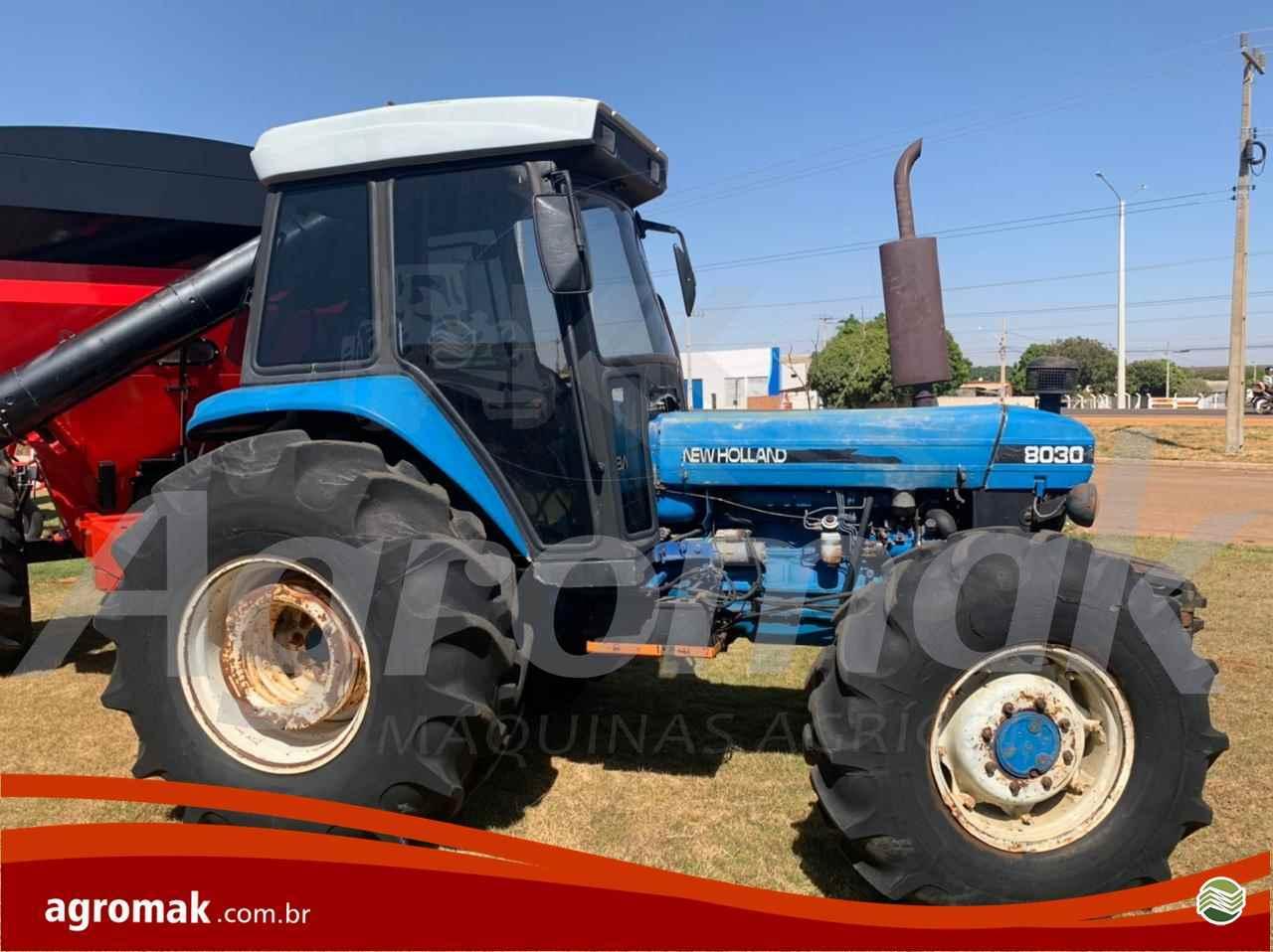 TRATOR NEW HOLLAND NEW 8030 Tração 4x4 Agromak Máquinas Agrícolas CAMPO VERDE MATO GROSSO MT