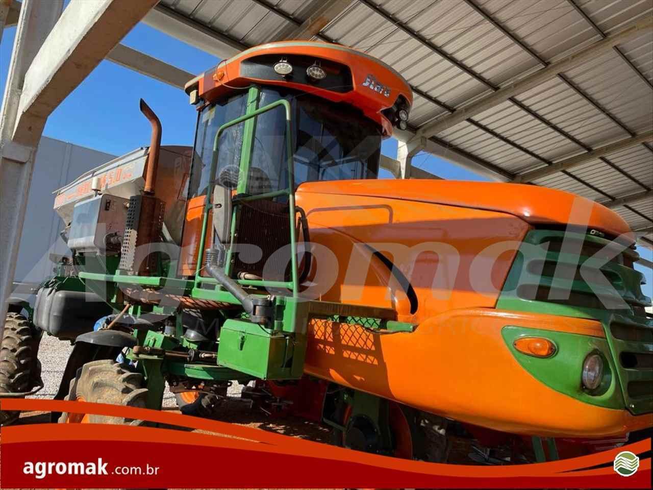 DISTRIBUIDOR AUTOPROPELIDO STARA HERCULES 5.0 Tração 4x4 Agromak Máquinas Agrícolas CAMPO VERDE MATO GROSSO MT
