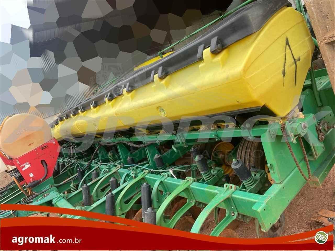 PLANTADEIRA JOHN DEERE PLANTADEIRAS 2126 Agromak Máquinas Agrícolas CAMPO VERDE MATO GROSSO MT