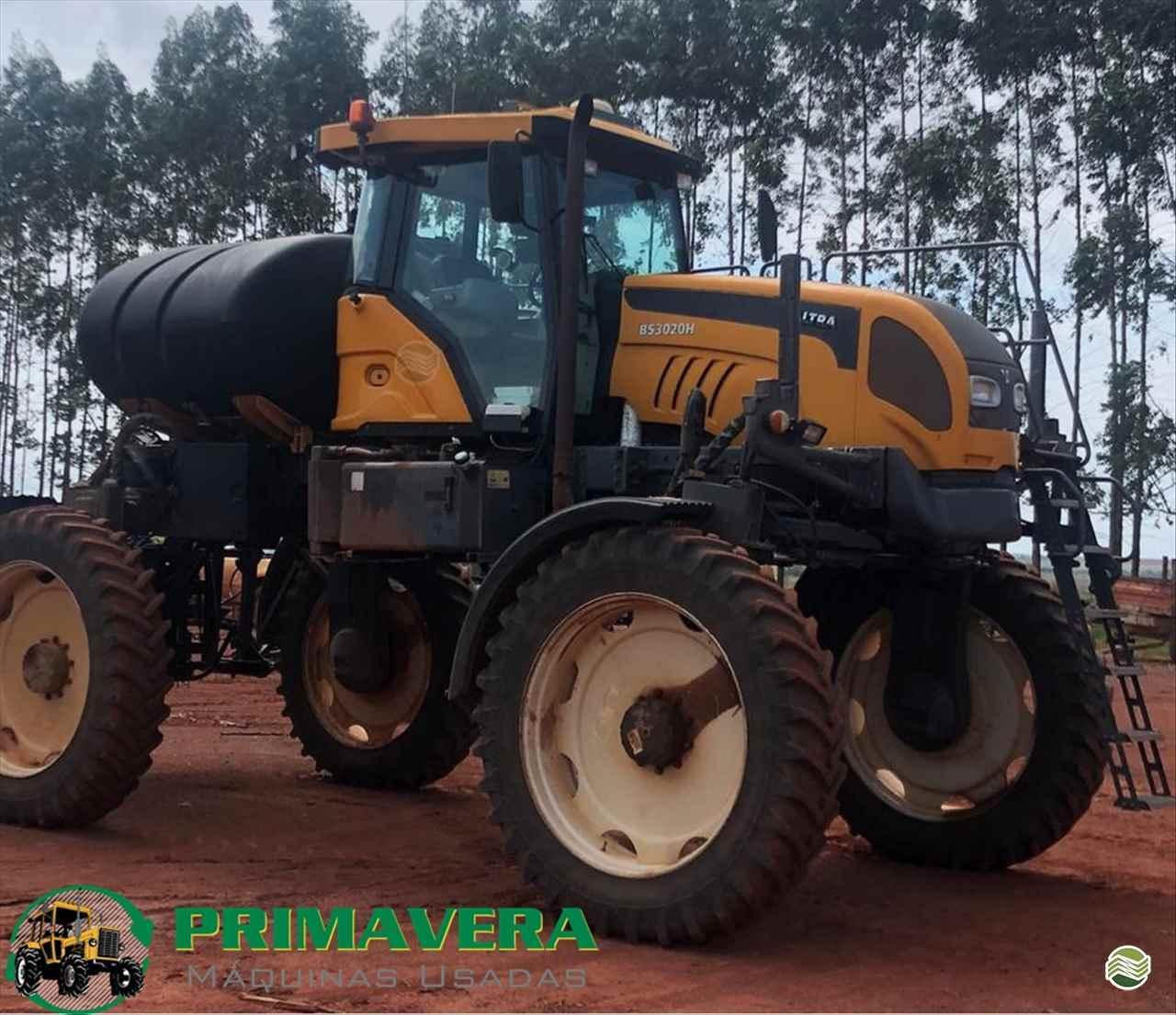 PULVERIZADOR VALTRA BS 3020 GRAOS Tração 4x4 Primavera Máquinas Usadas PRIMAVERA DO LESTE MATO GROSSO MT