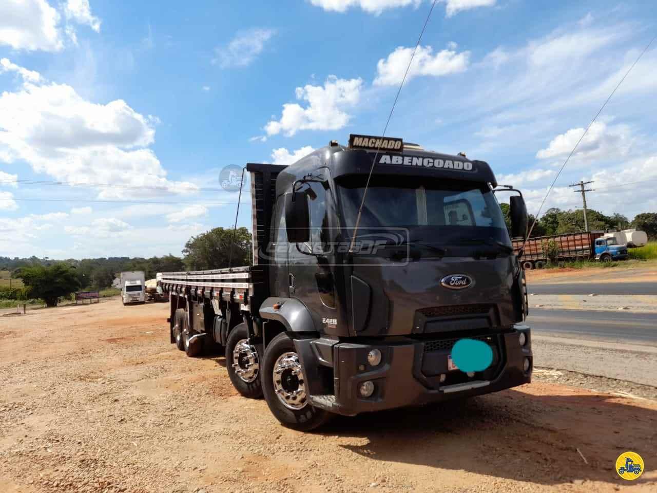 CAMINHAO FORD CARGO 2428 Graneleiro BiTruck 8x2 CARRETAS DF - NOMA BRASILIA DISTRITO FEDERAL DF