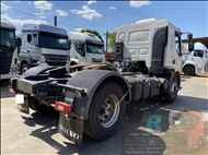 VOLVO VOLVO VM 330  2013/2013 Junior Bozolan Transportes