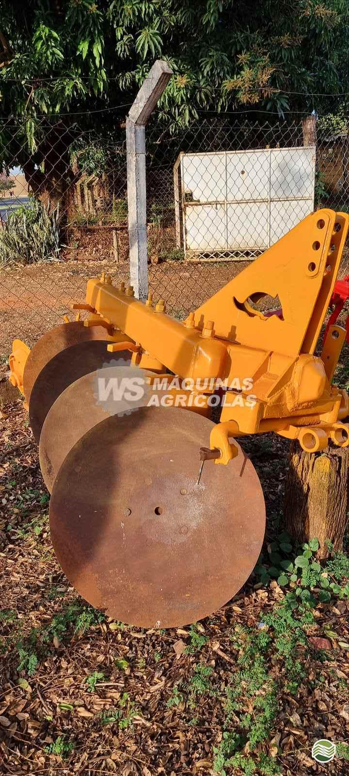 IMPLEMENTOS AGRICOLAS ARADO DE DISCO 4 DISCOS FIXO WS Máquinas Agrícolas SERTAOZINHO SÃO PAULO SP
