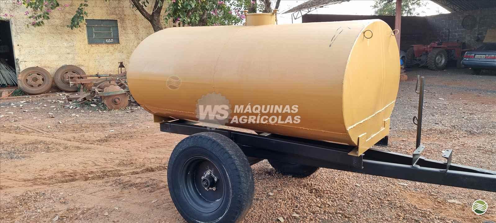 IMPLEMENTOS AGRICOLAS CARRETA TANQUE TANQUE 2000 LITROS WS Máquinas Agrícolas SERTAOZINHO SÃO PAULO SP