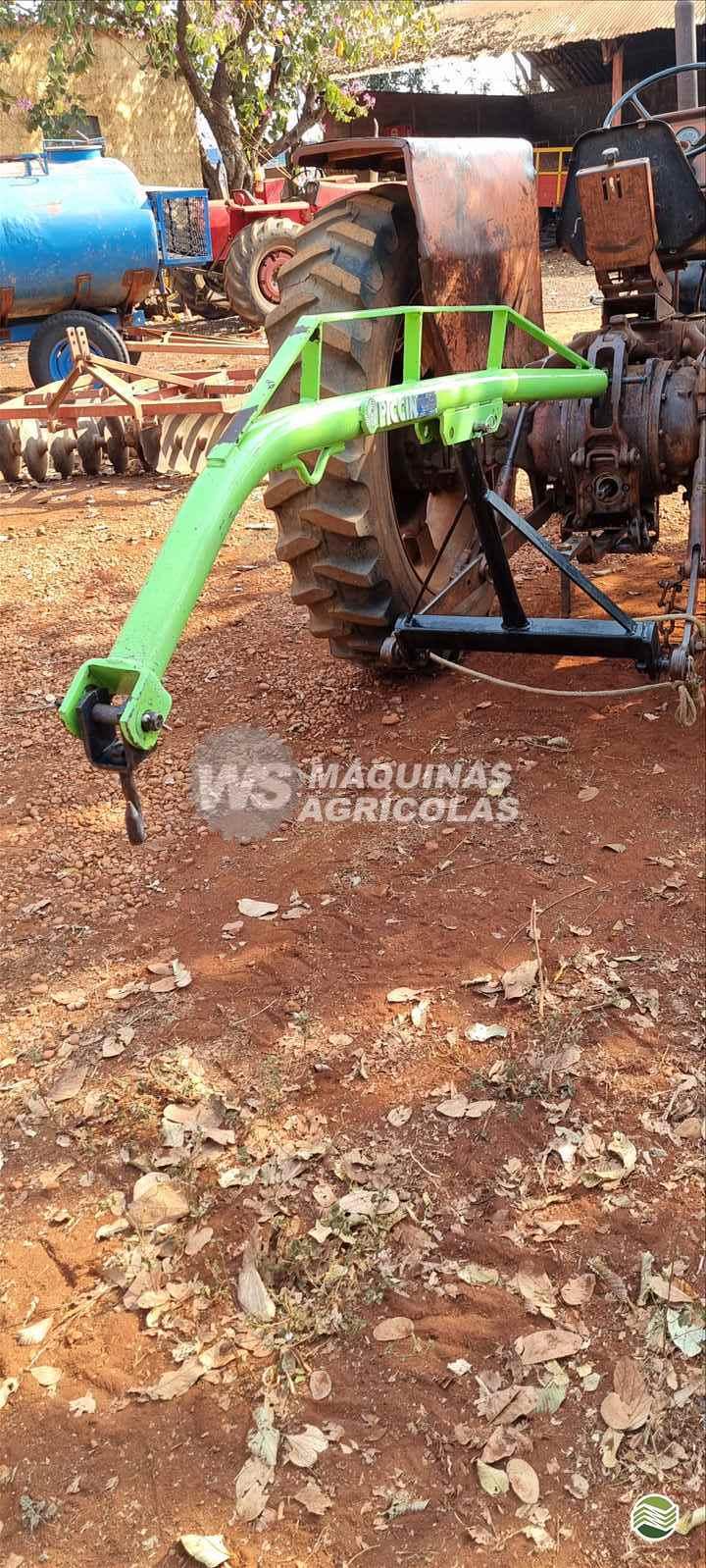 IMPLEMENTOS AGRICOLAS GUINCHO GUINCHO 800 Kg WS Máquinas Agrícolas SERTAOZINHO SÃO PAULO SP
