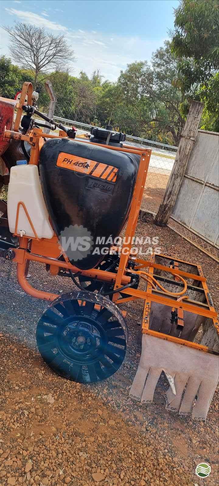 PULVERIZADOR JACTO PJ 400 L  Acoplado Hidráulico WS Máquinas Agrícolas SERTAOZINHO SÃO PAULO SP