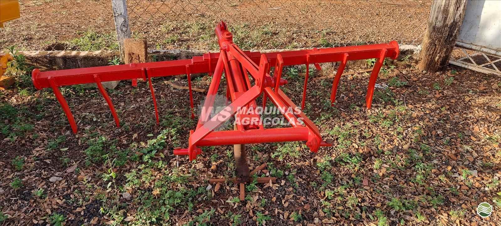 IMPLEMENTOS AGRICOLAS SUBSOLADOR 9 HASTES WS Máquinas Agrícolas SERTAOZINHO SÃO PAULO SP