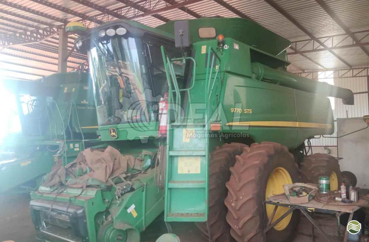 COLHEITADEIRA JOHN DEERE JOHN DEERE 9770 STS Ideal Máquinas Agrícolas SAO GONCALO DO SAPUCAI MINAS GERAIS MG