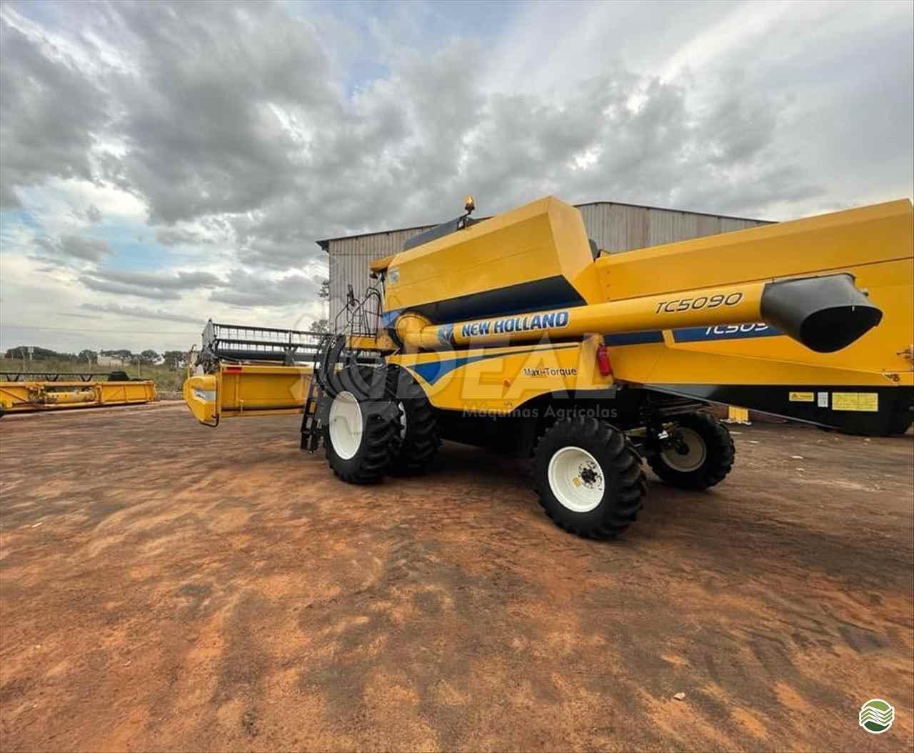NEW HOLLAND TC 5090  2015/2016 Ideal Máquinas Agrícolas