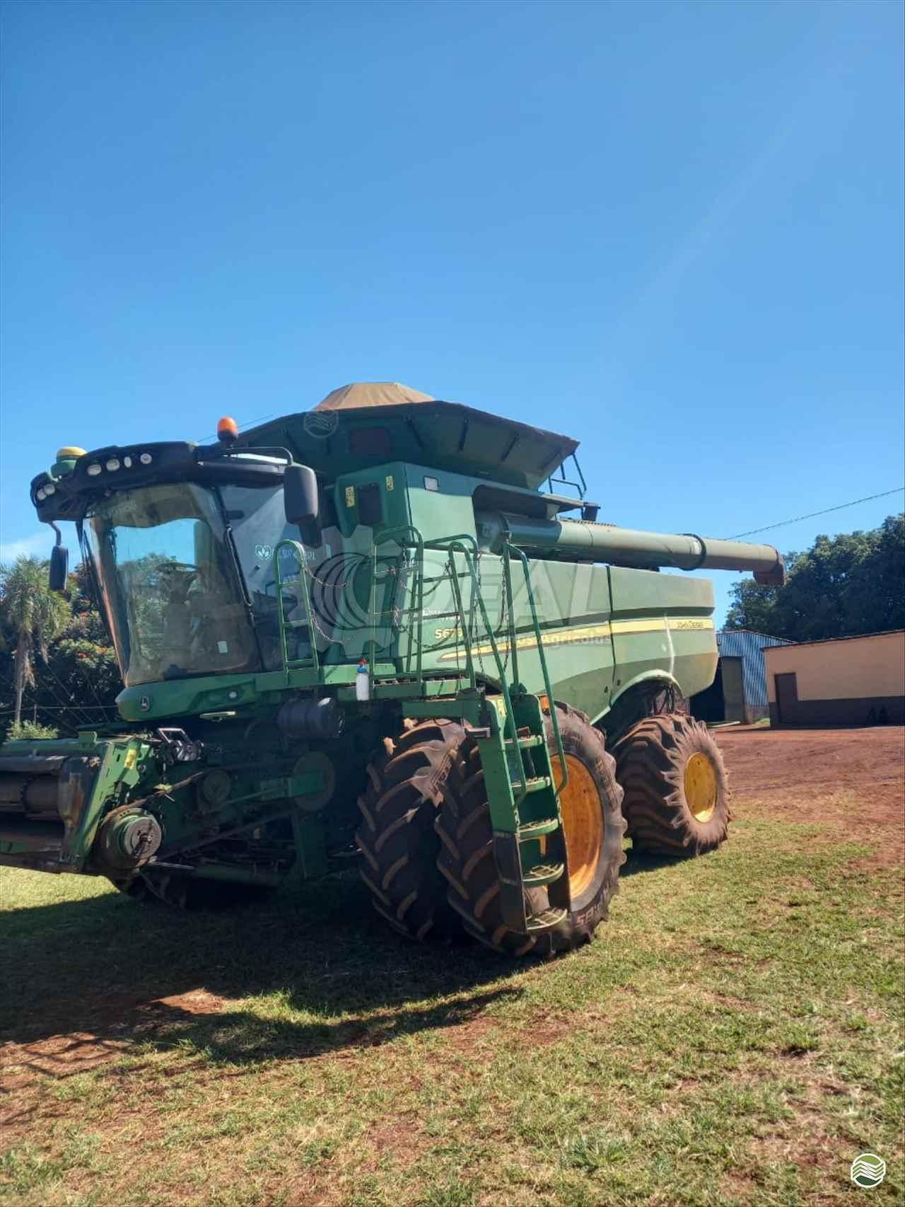 COLHEITADEIRA JOHN DEERE JOHN DEERE S670 Ideal Máquinas Agrícolas SAO GONCALO DO SAPUCAI MINAS GERAIS MG