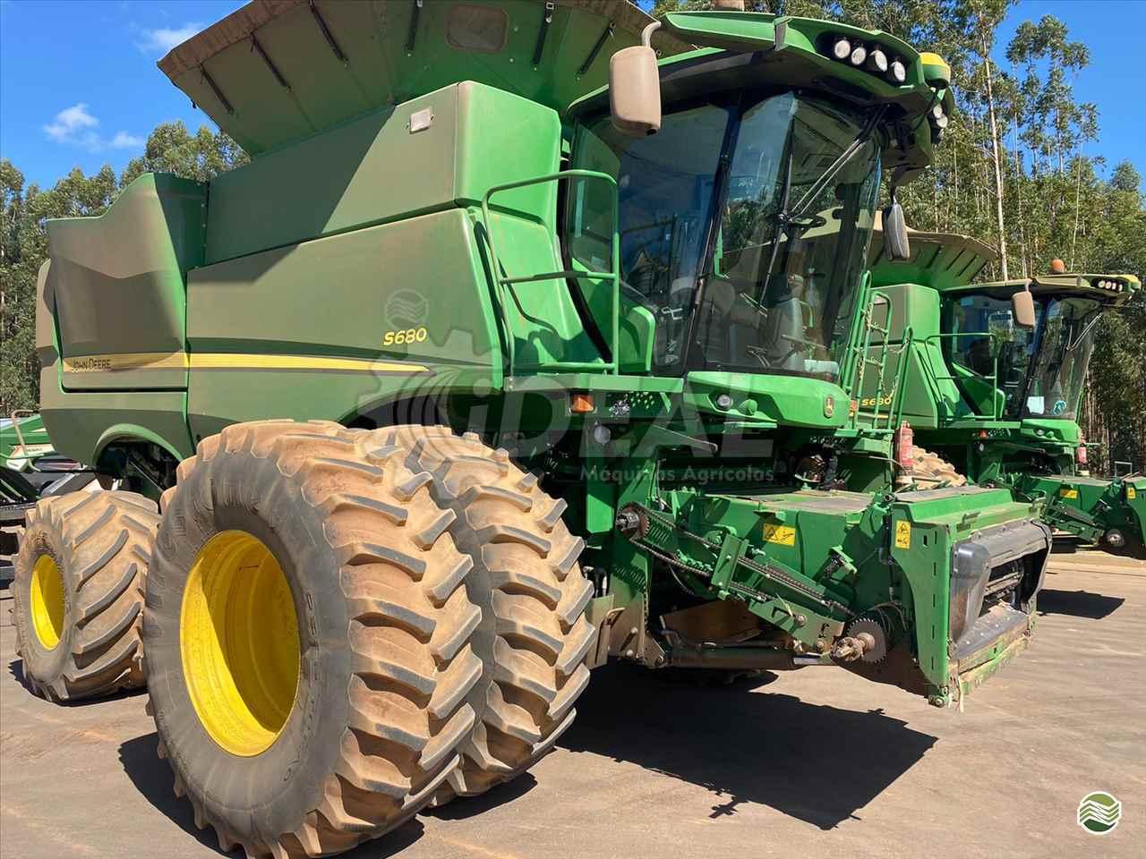 COLHEITADEIRA JOHN DEERE JOHN DEERE S680 Ideal Máquinas Agrícolas SAO GONCALO DO SAPUCAI MINAS GERAIS MG
