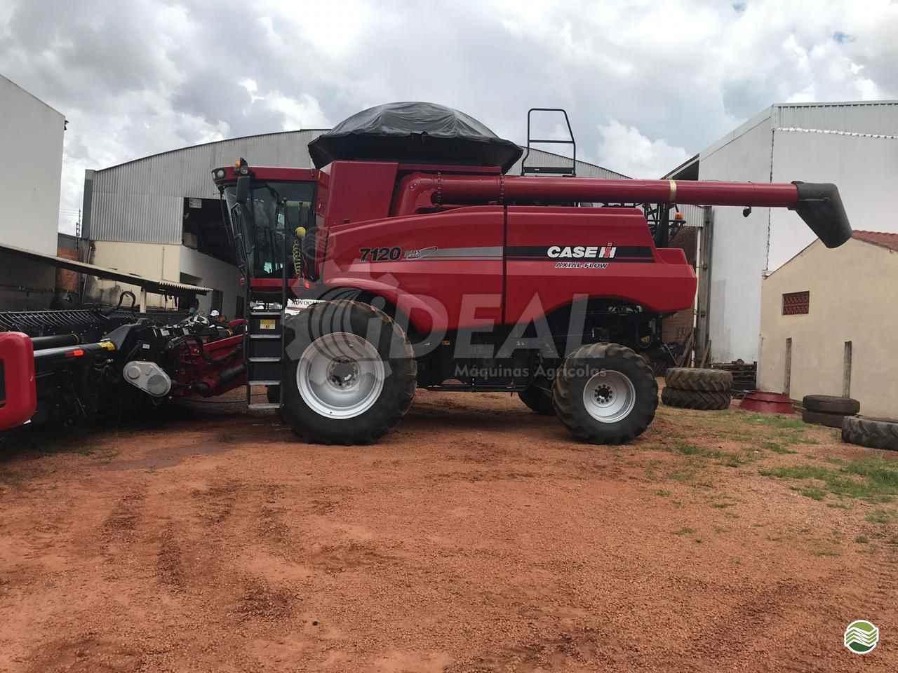 COLHEITADEIRA CASE CASE 7120 Ideal Máquinas Agrícolas SAO GONCALO DO SAPUCAI MINAS GERAIS MG
