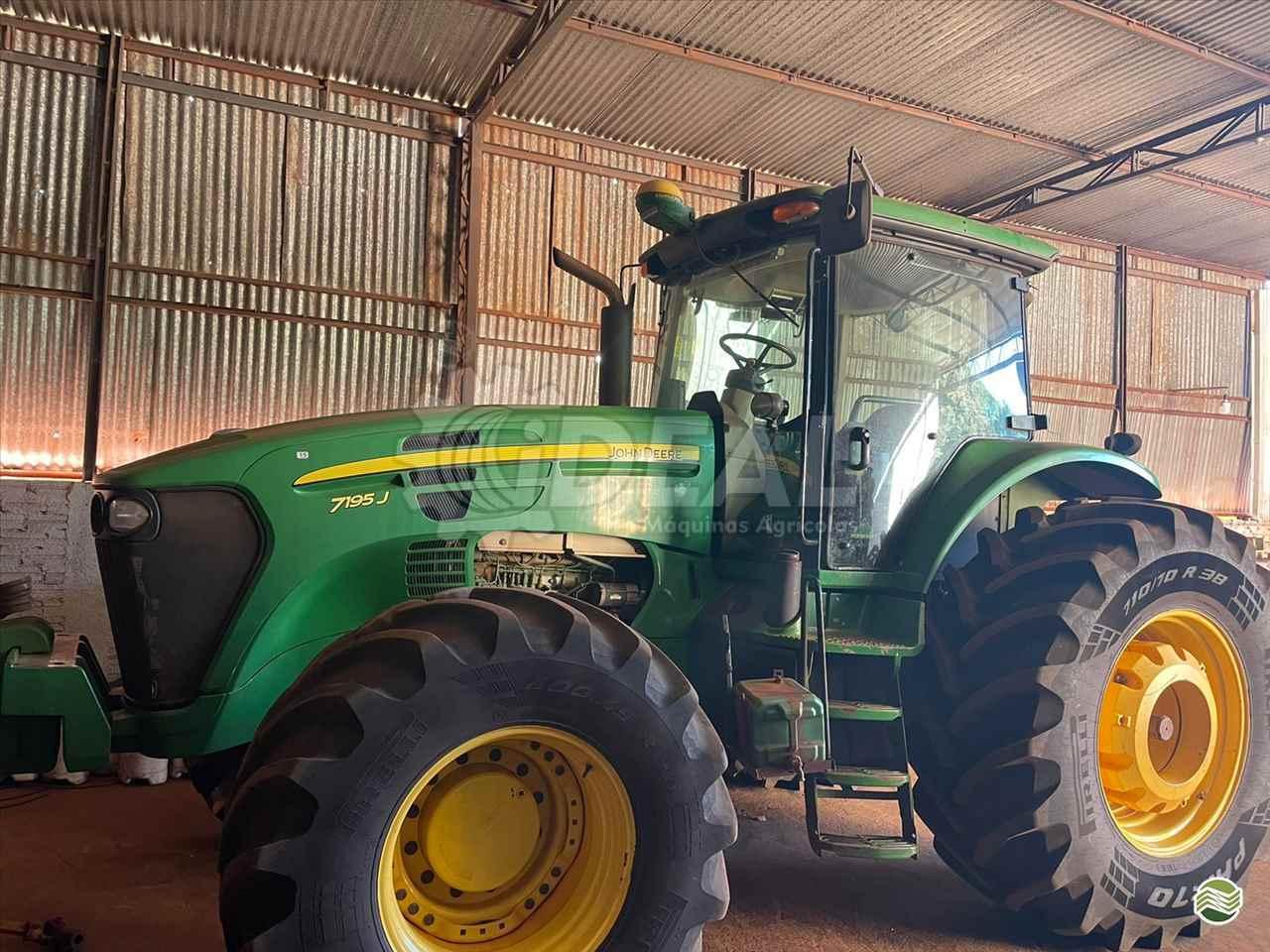 TRATOR JOHN DEERE JOHN DEERE 7195 Tração 4x4 Ideal Máquinas Agrícolas SAO GONCALO DO SAPUCAI MINAS GERAIS MG