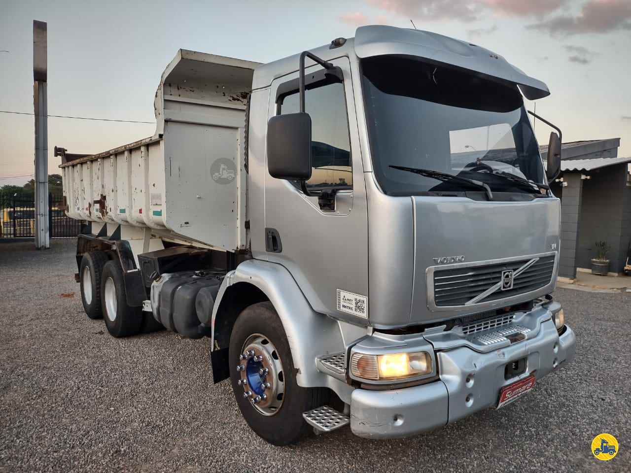 CAMINHAO VOLVO VOLVO VM 260 Caçamba Basculante Truck 6x2 Sumaré Caminhões SUMARE SÃO PAULO SP