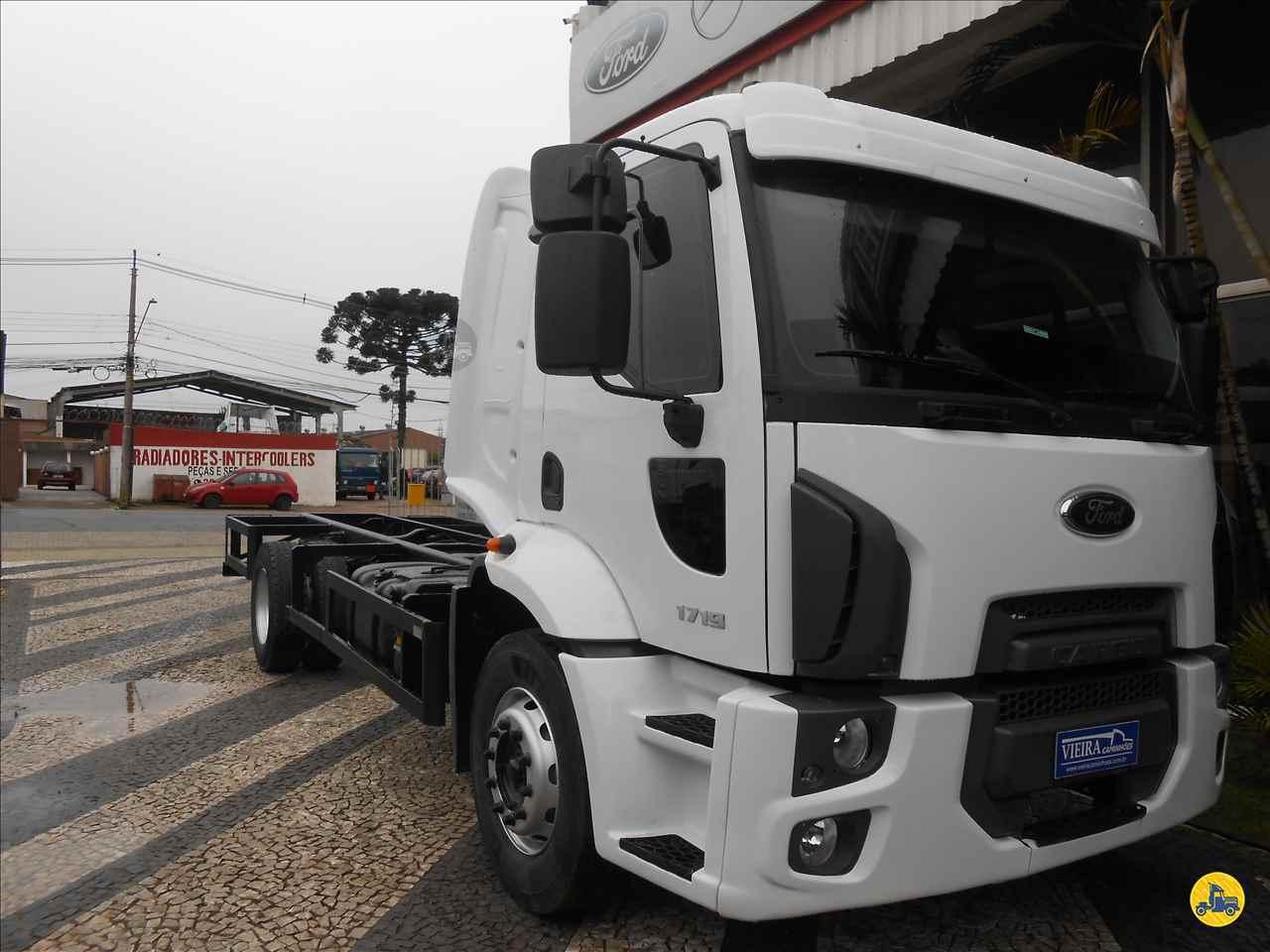 CAMINHAO FORD CARGO 1719 Chassis Toco 4x2 Vieira Caminhões CURITIBA PARANÁ PR