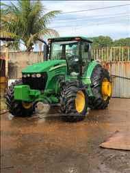 JOHN DEERE JOHN DEERE 7715  2009/2009 EP Máquinas e Implementos Agrícolas