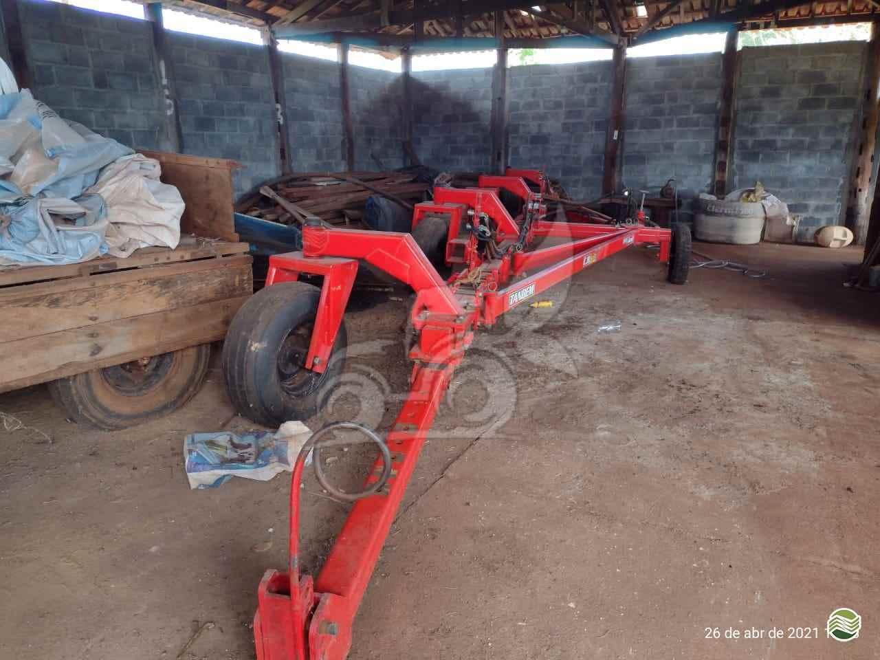 IMPLEMENTOS AGRICOLAS ACOPLAMENTO TANDEM TANDEM 2 PLANTADEIRAS EP Máquinas e Implementos Agrícolas CRISTALINA GOIAS GO