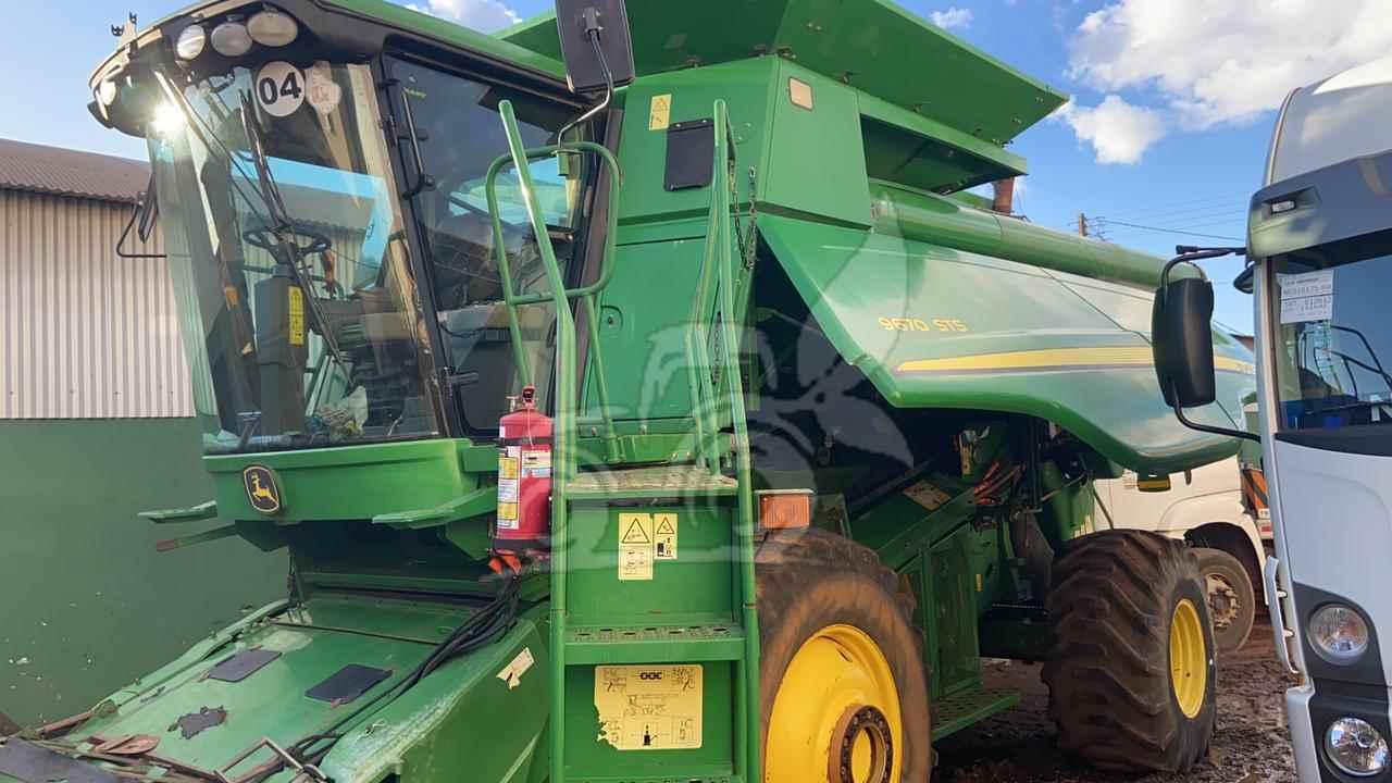 COLHEITADEIRA JOHN DEERE JOHN DEERE 9670 STS EP Máquinas e Implementos Agrícolas CRISTALINA GOIAS GO
