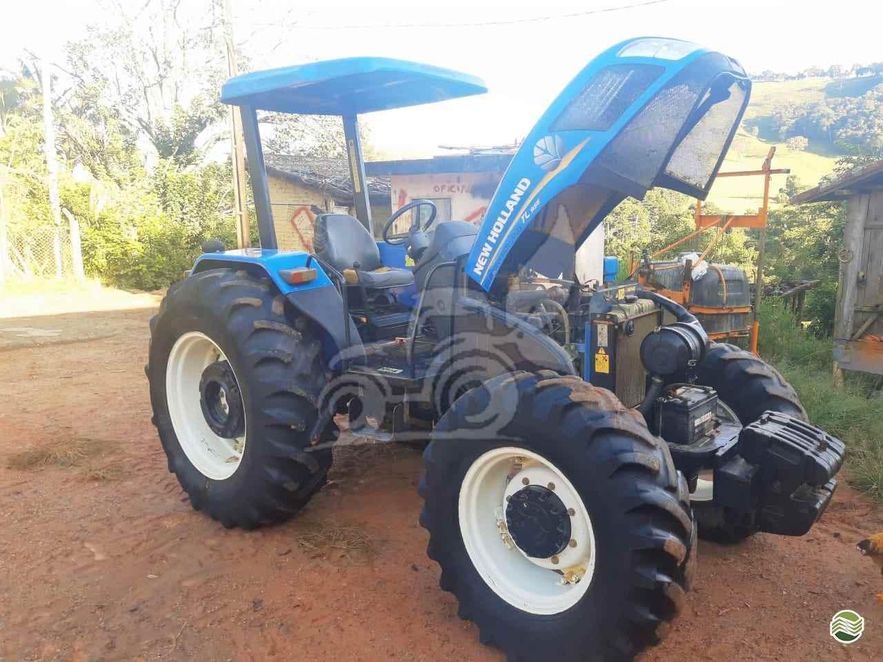 TRATOR NEW HOLLAND NEW TL 95 Tração 4x4 EP Máquinas e Implementos Agrícolas CRISTALINA GOIAS GO