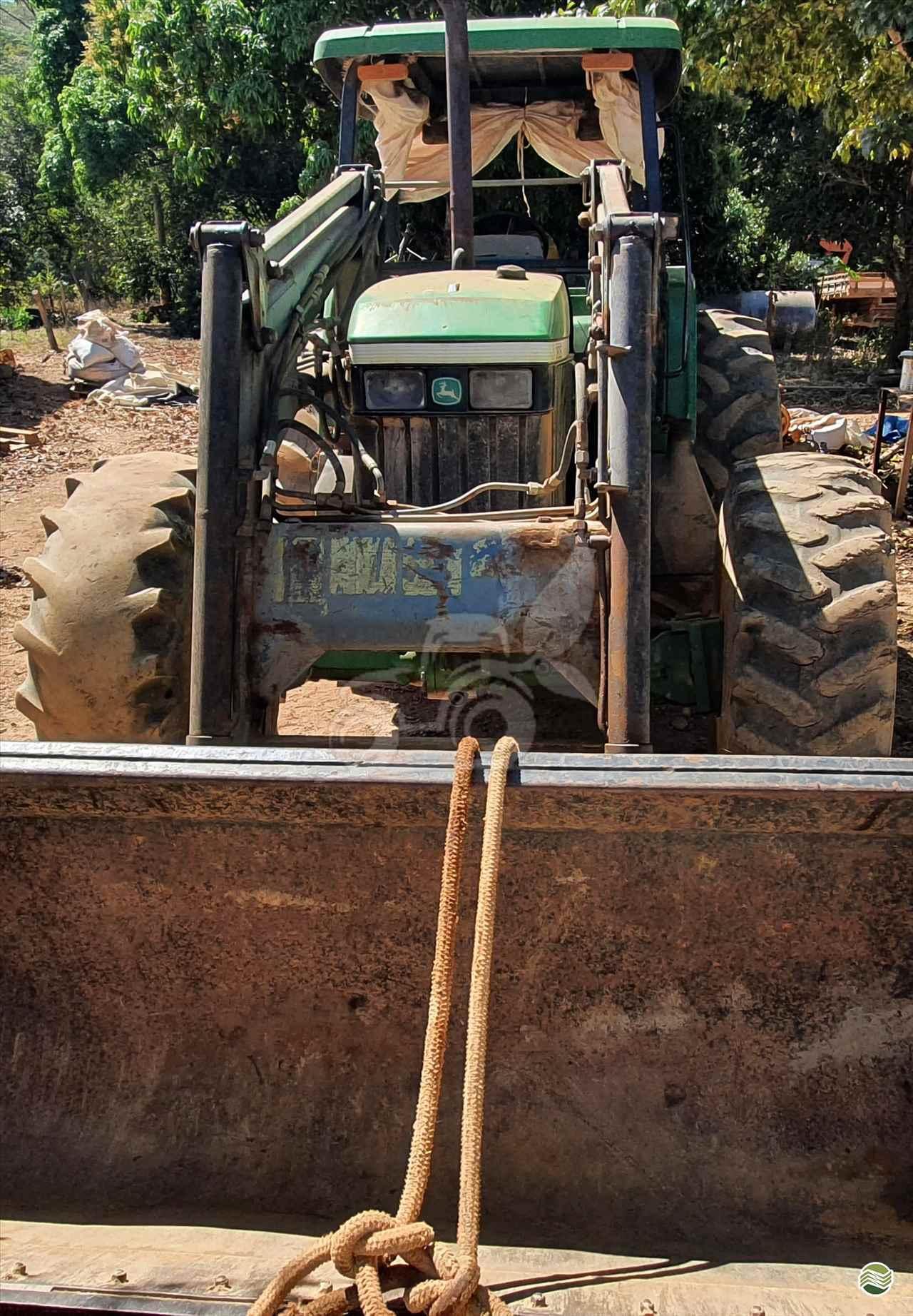 TRATOR JOHN DEERE JOHN DEERE 7505 Tração 4x4 EP Máquinas e Implementos Agrícolas CRISTALINA GOIAS GO