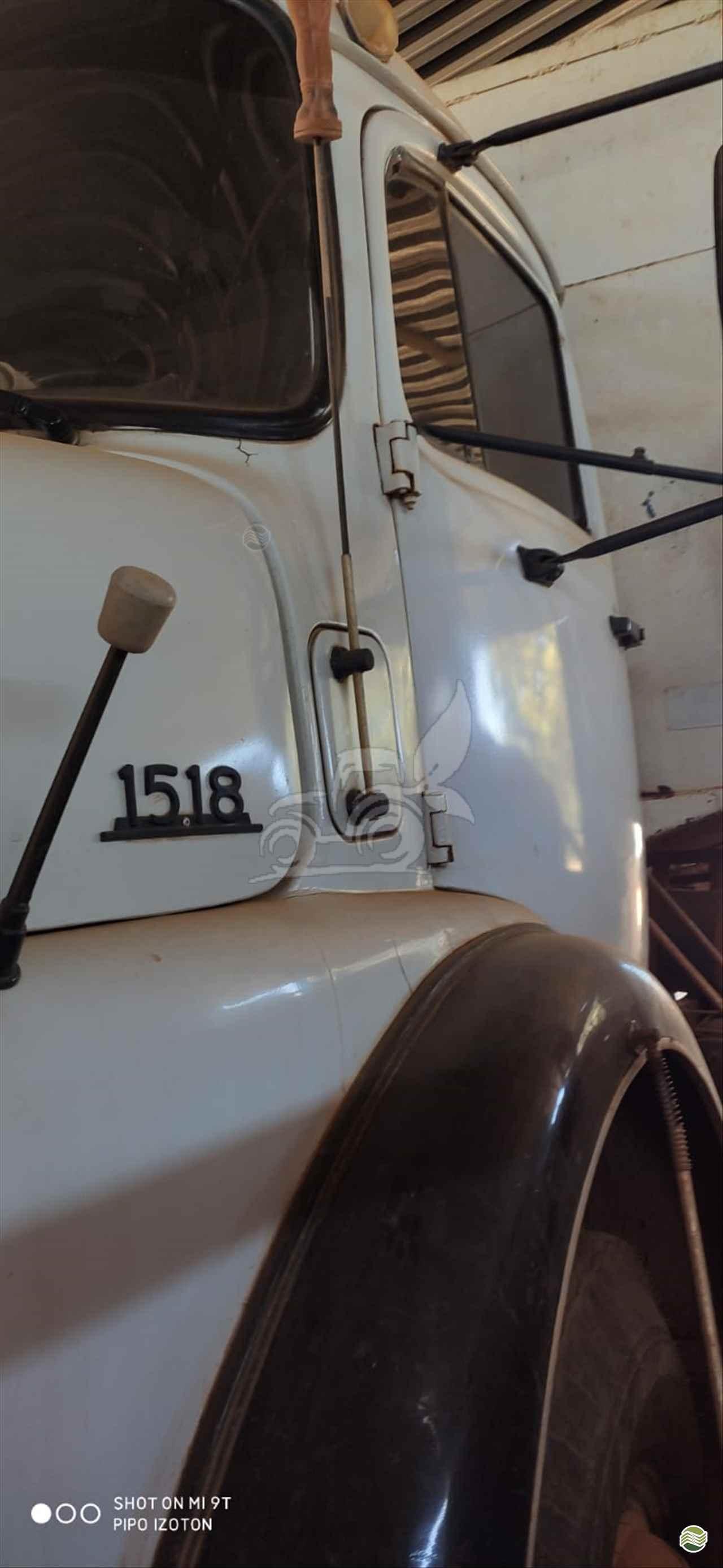 CAMINHAO MERCEDES-BENZ MB 1518 Caçamba Basculante Truck 6x2 EP Máquinas e Implementos Agrícolas CRISTALINA GOIAS GO