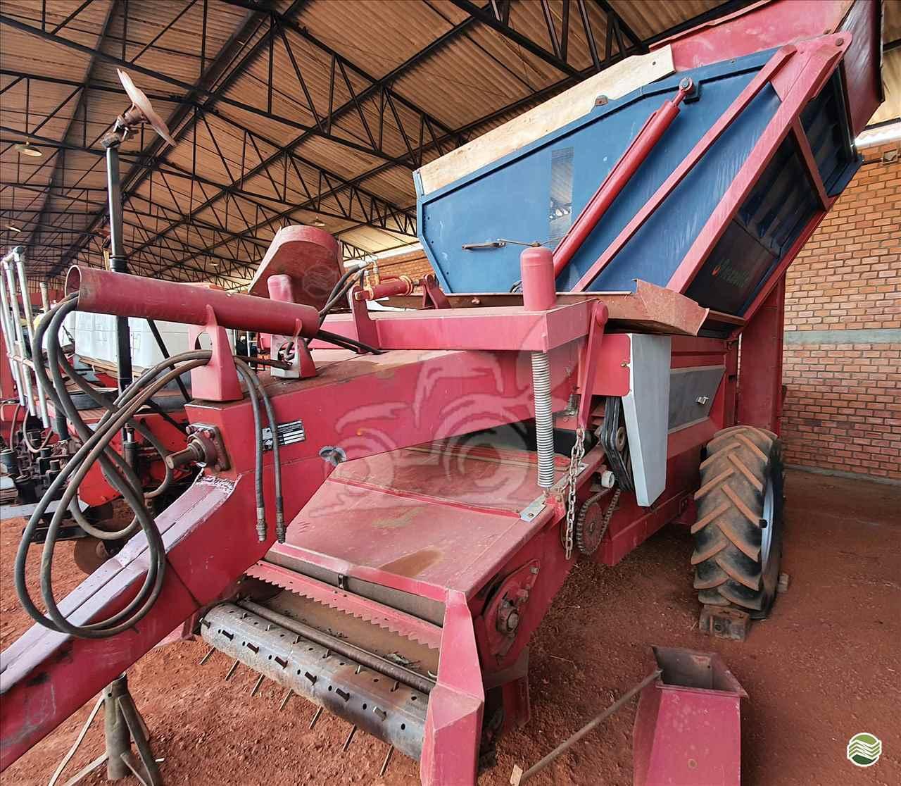IMPLEMENTOS AGRICOLAS COLHEDORAS MIAC DOUBLE MASTER I EP Máquinas e Implementos Agrícolas CRISTALINA GOIAS GO