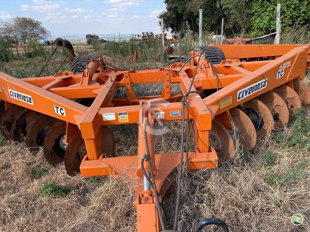 IMPLEMENTOS AGRICOLAS TERRACEADOR 30 DISCOS CR Máquinas Agrícolas CASSILANDIA MATO GROSSO DO SUL MS