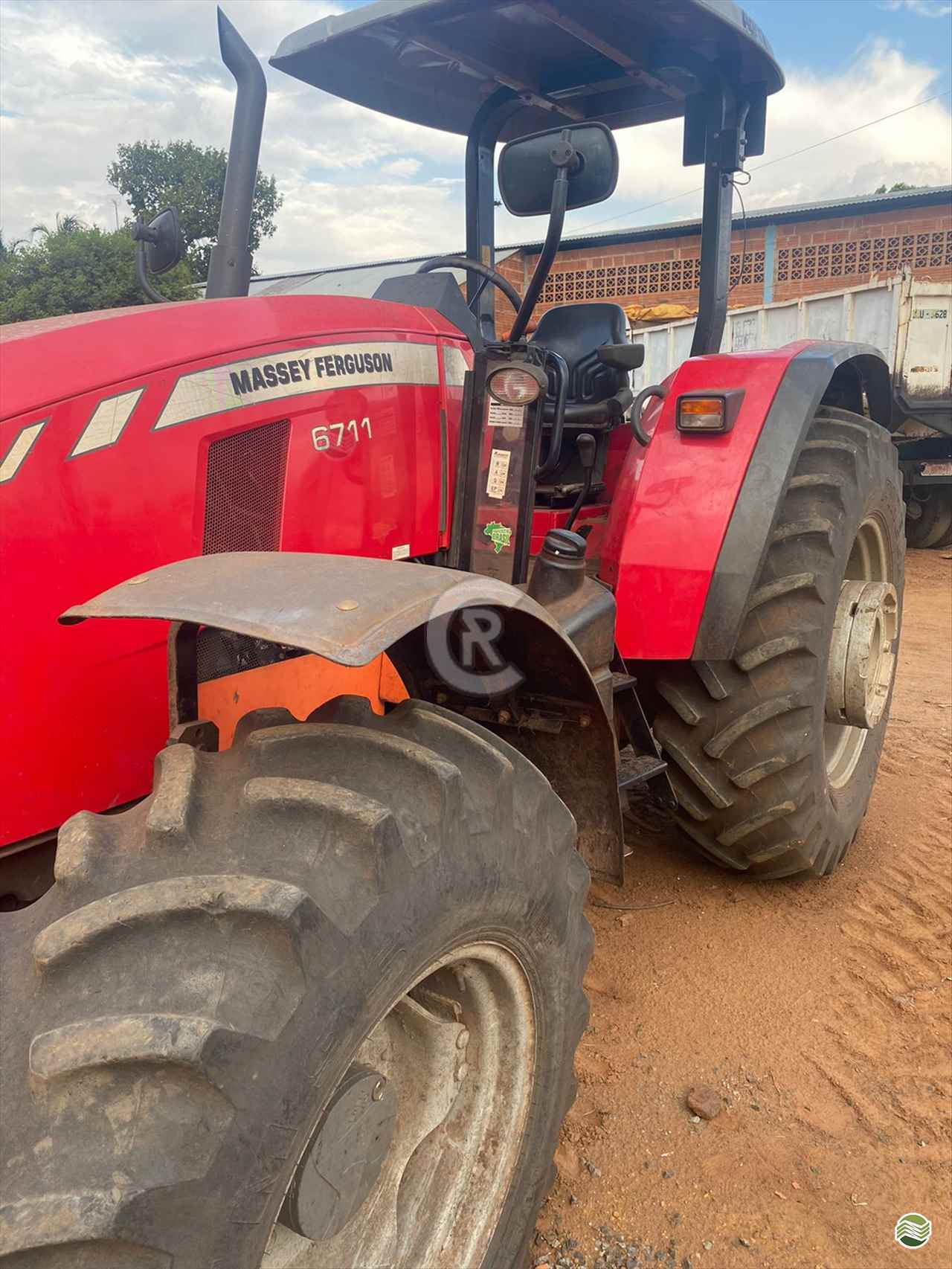 MF 6711 de CR Máquinas Agrícolas - CASSILANDIA/MS