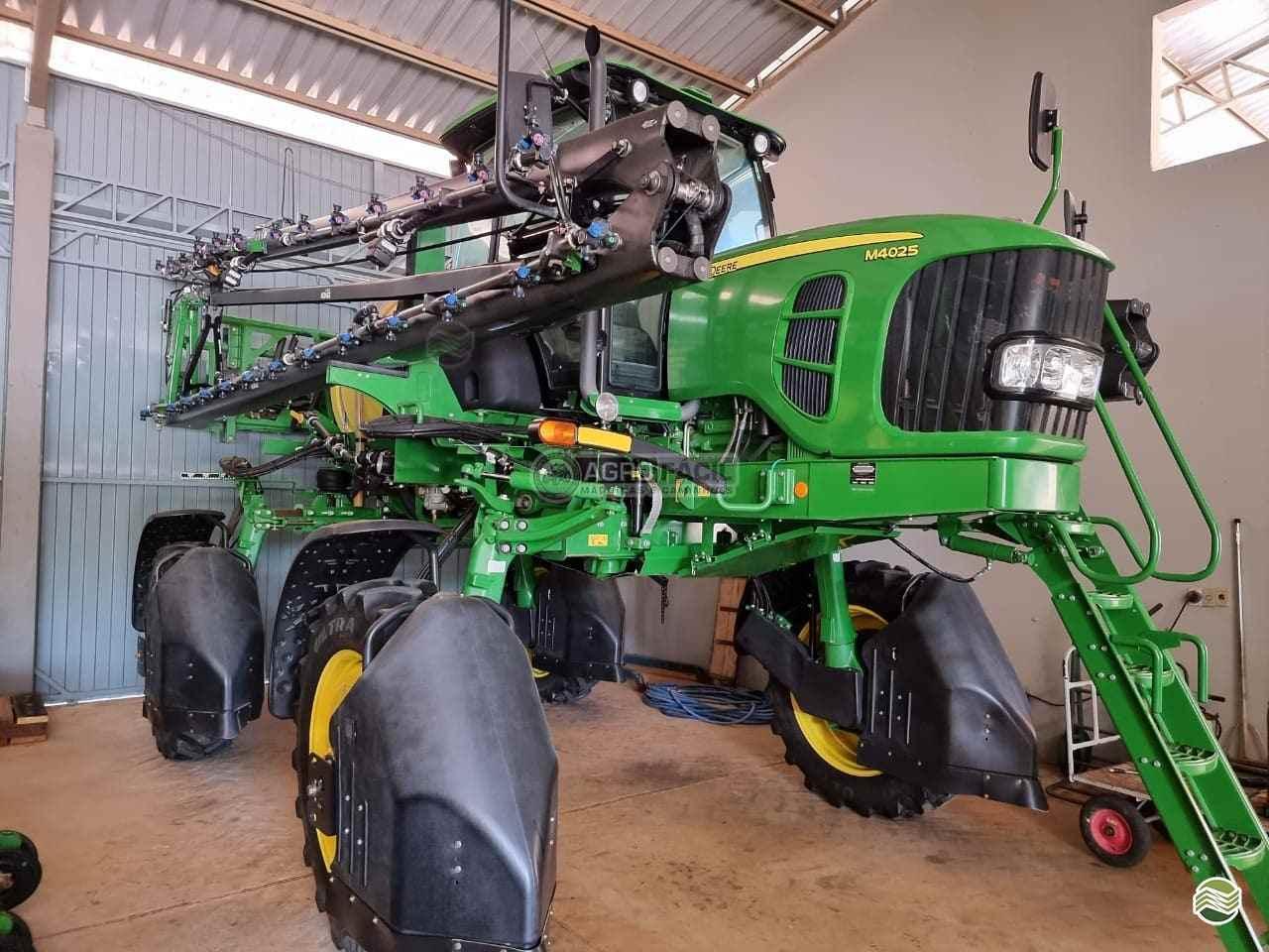 PULVERIZADOR JOHN DEERE JOHN DEERE M4025 Tração 4x4 Agro Fácil Máquinas PRIMAVERA DO LESTE MATO GROSSO MT