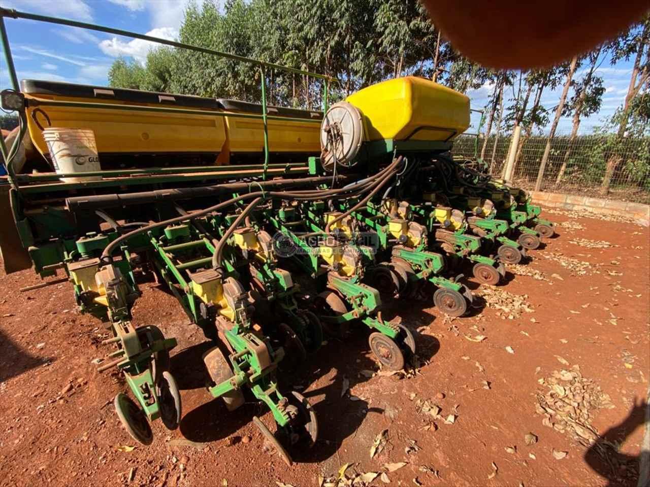 PLANTADEIRA JOHN DEERE PLANTADEIRAS 2117 Agro Fácil Máquinas PRIMAVERA DO LESTE MATO GROSSO MT