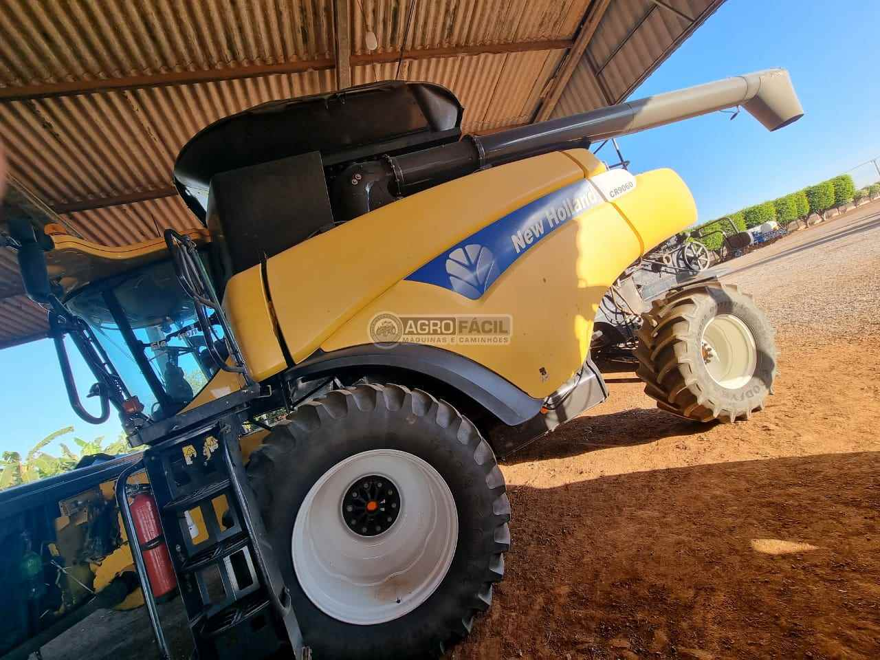 COLHEITADEIRA NEW HOLLAND CR 9060 Agro Fácil Máquinas PRIMAVERA DO LESTE MATO GROSSO MT