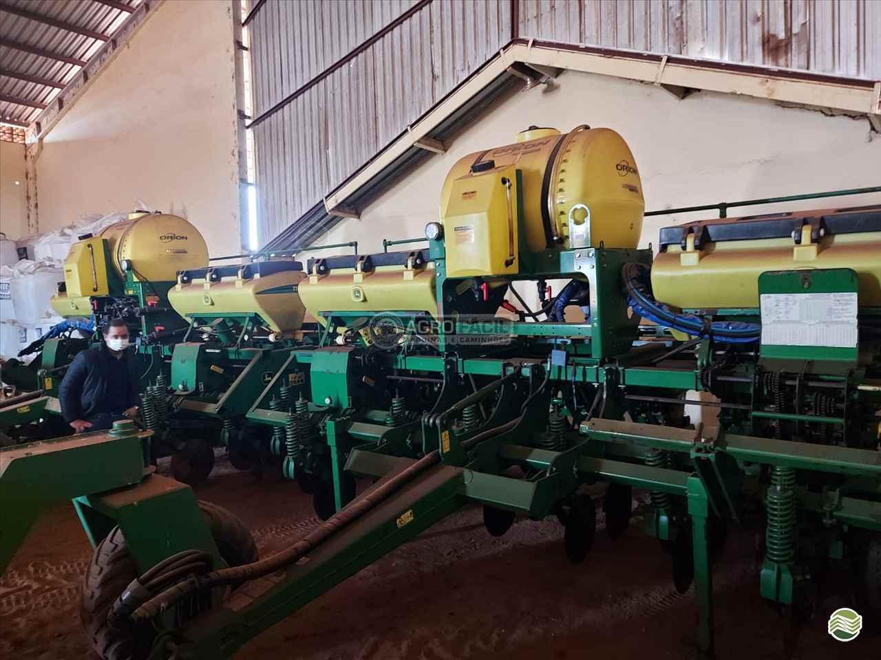 PLANTADEIRA JOHN DEERE PLANTADEIRAS 1111 Agro Fácil Máquinas PRIMAVERA DO LESTE MATO GROSSO MT