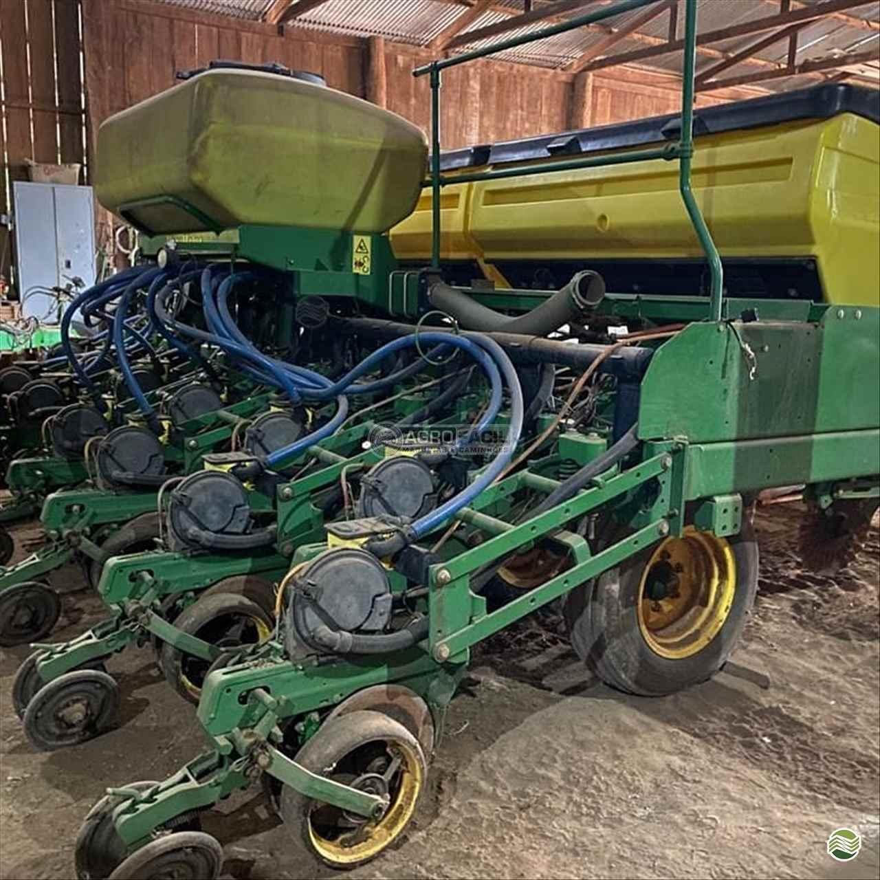 PLANTADEIRA JOHN DEERE PLANTADEIRAS 2126 Agro Fácil Máquinas PRIMAVERA DO LESTE MATO GROSSO MT