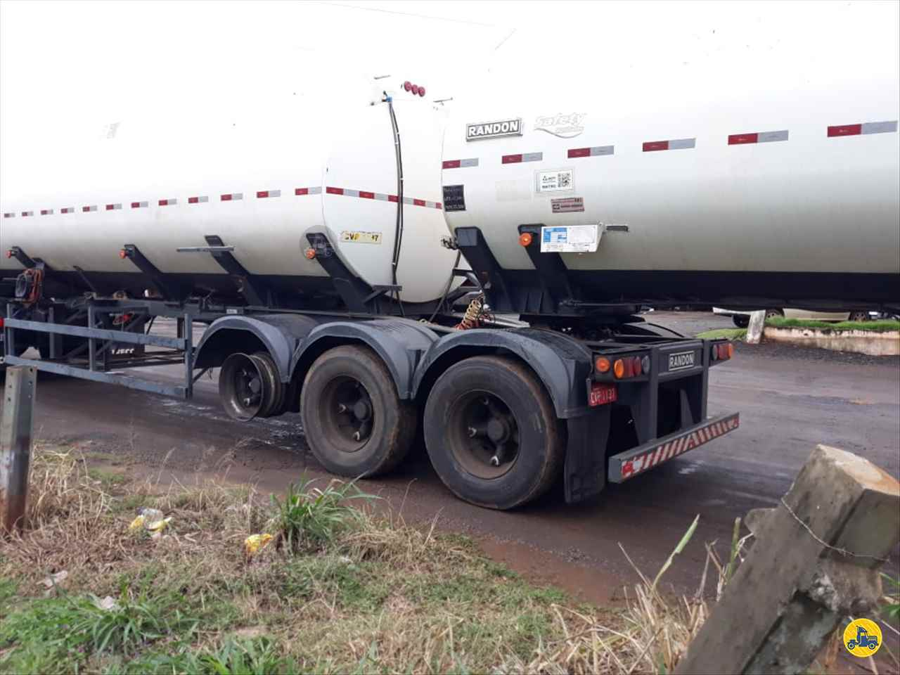 BITREM 9 EIXOS TANQUE AÇO  2010/2010 Mundial Caminhões e Carretas