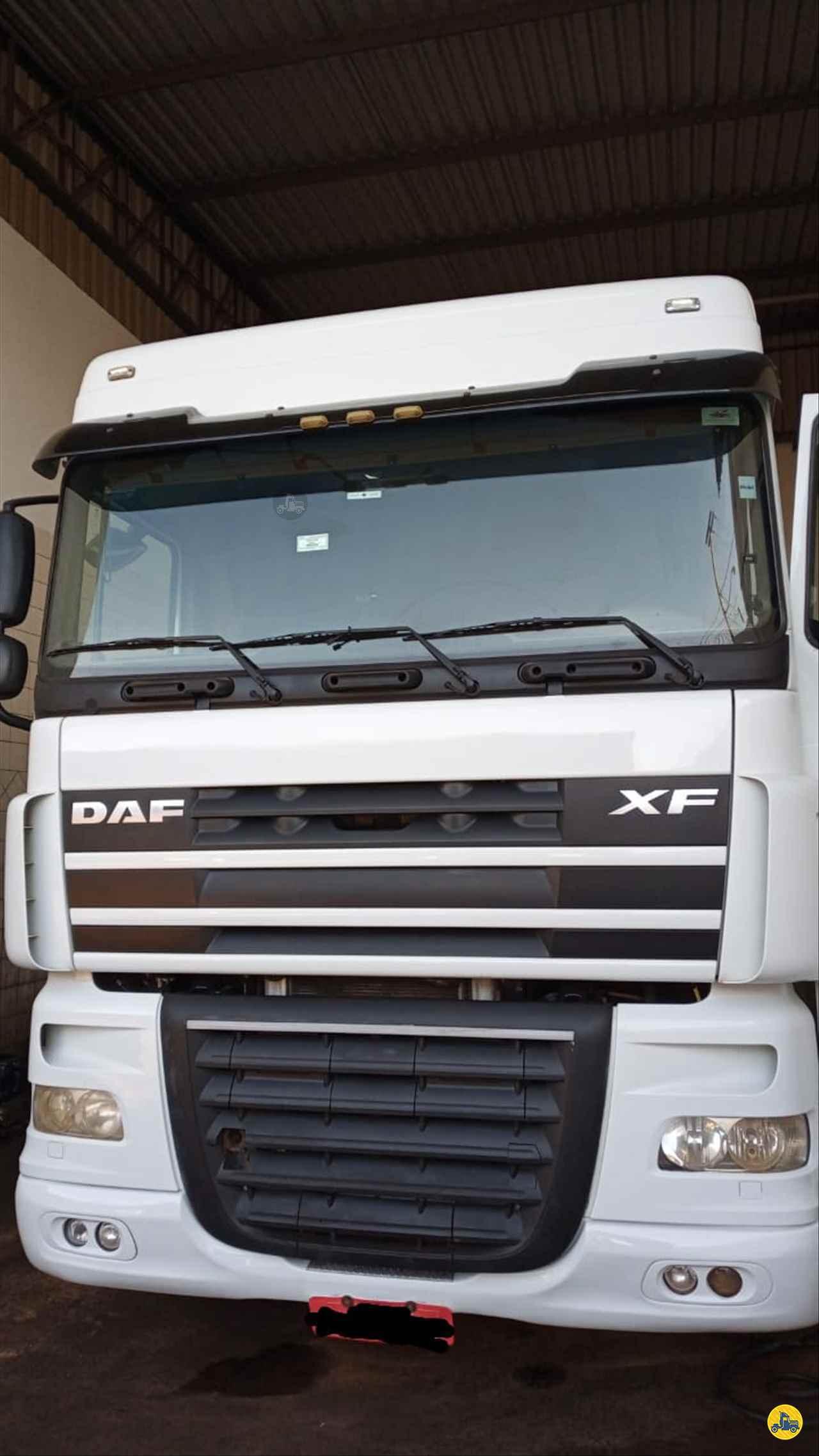 CAMINHAO DAF DAF XF105 460 Cavalo Mecânico Traçado 6x4 Mundial Caminhões e Carretas PALMITAL SÃO PAULO SP