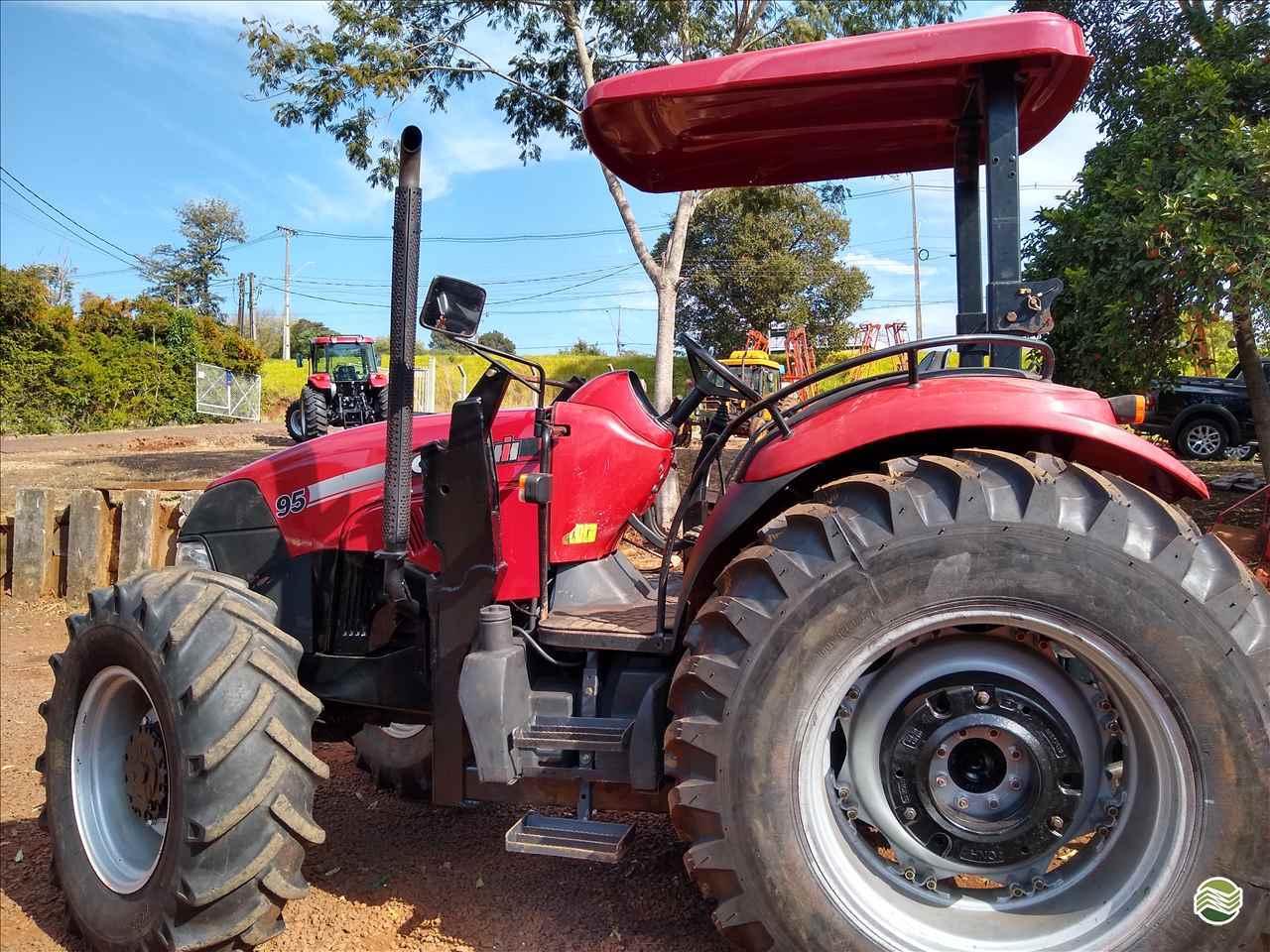 TRATOR CASE CASE Farmall 95 Tração 4x4 ACC Maquinas Agrícolas CHOPINZINHO PARANÁ PR