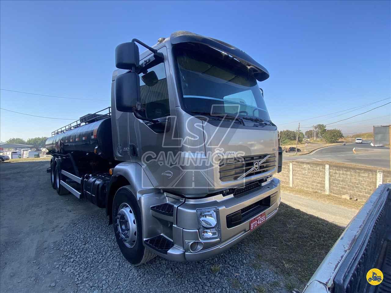 CAMINHAO VOLVO VOLVO VM 260 Tanque Aço Truck 6x2 LS 7 Caminhões LIMEIRA SÃO PAULO SP