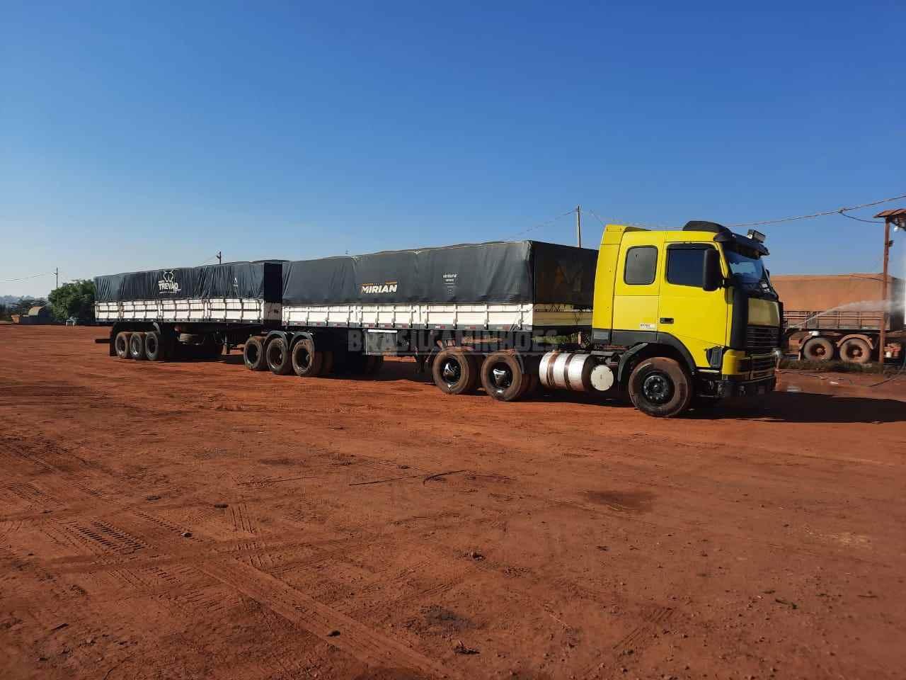 CAMINHAO VOLVO VOLVO FH12 380 Carga Seca Traçado 6x4 Brasil Caminhões Sinop SINOP MATO GROSSO MT